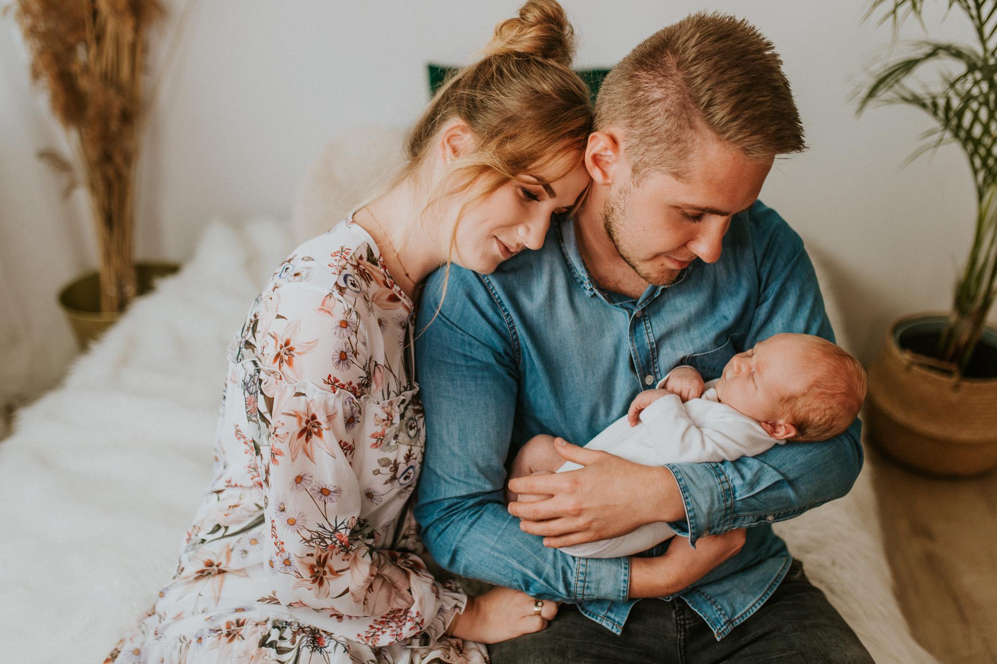 Sesja noworodkowa rodzinna Tymon Monika i Mateusz NET-100