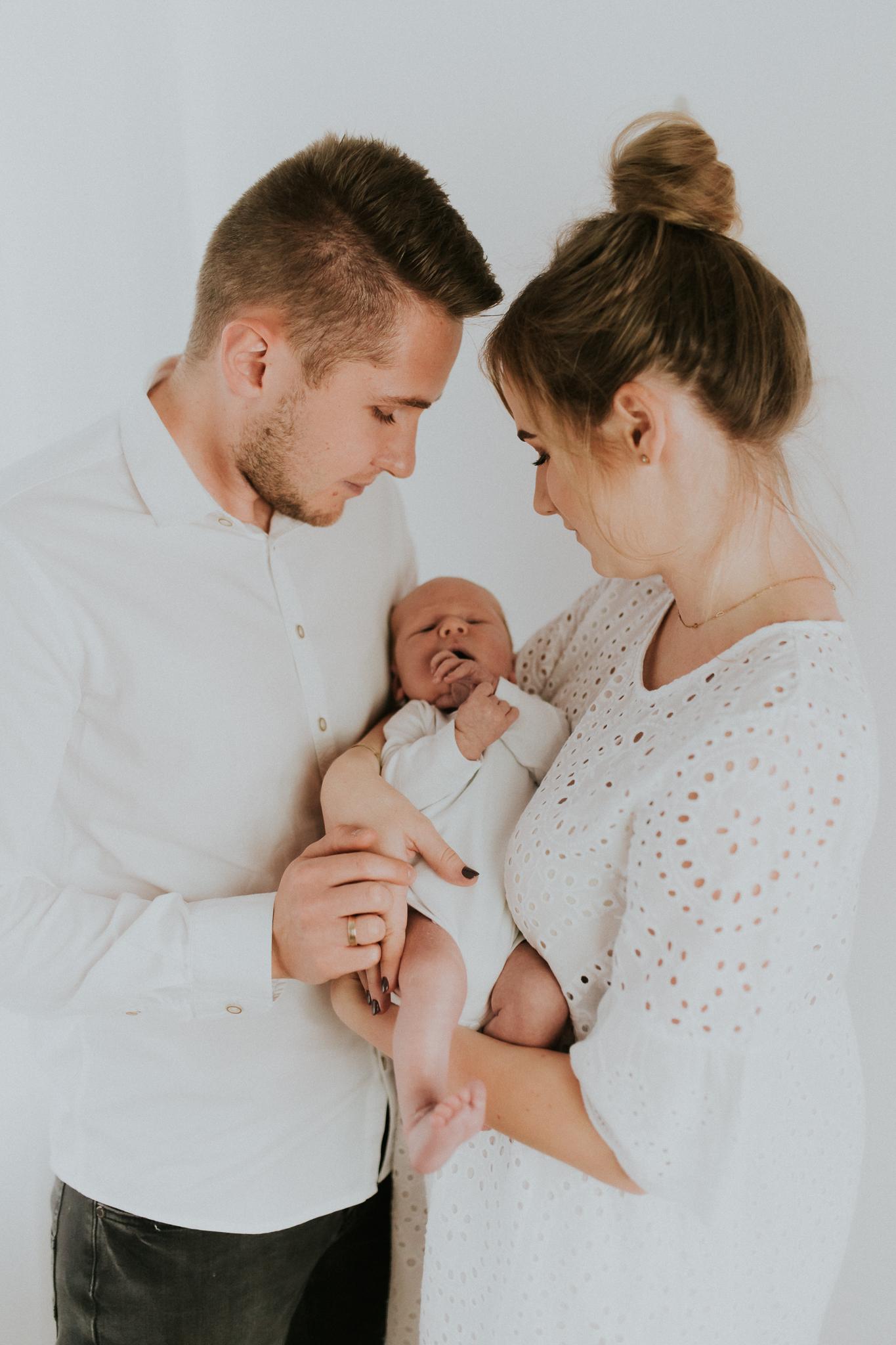 Sesja noworodkowa rodzinna Tymon Monika i Mateusz NET-11