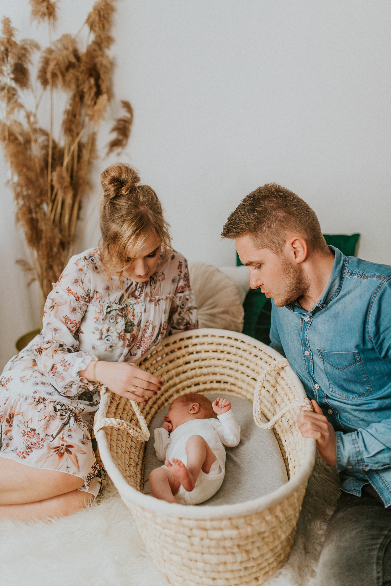 Sesja noworodkowa rodzinna Tymon Monika i Mateusz NET-116