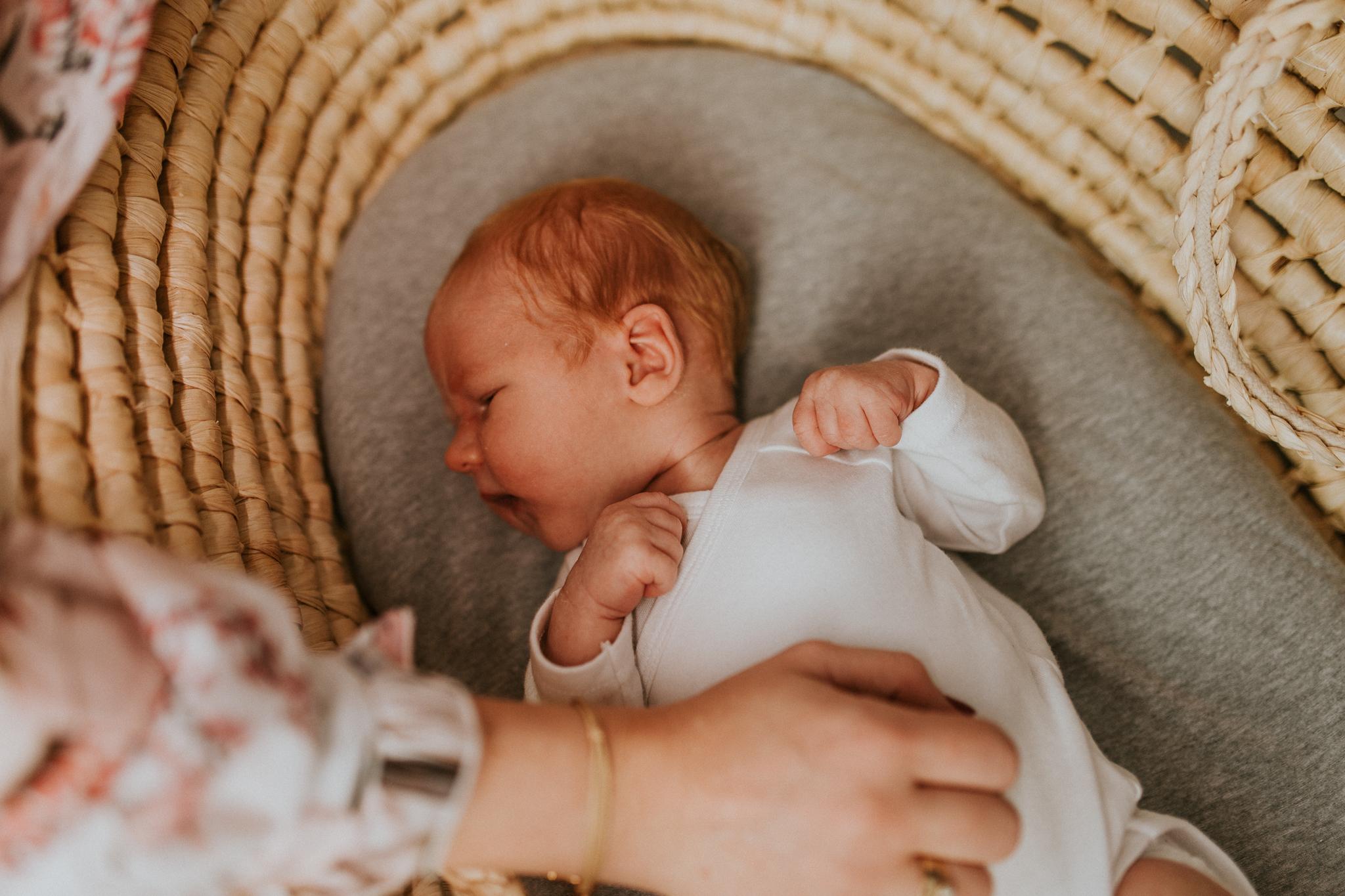 Sesja noworodkowa rodzinna Tymon Monika i Mateusz NET-117