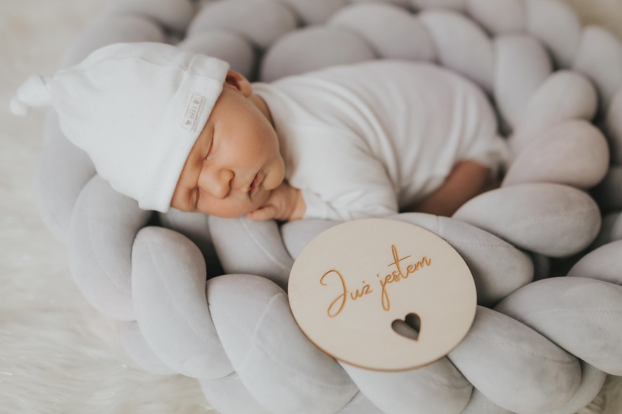 Sesja noworodkowa rodzinna Tymon Monika i Mateusz NET-132