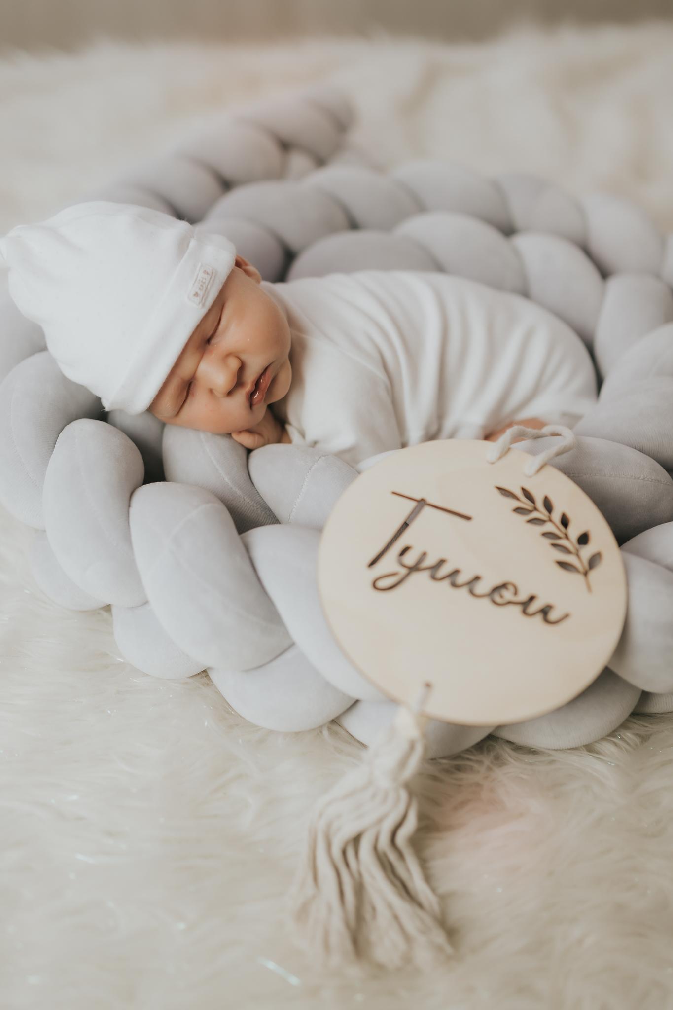 Sesja noworodkowa rodzinna Tymon Monika i Mateusz NET-135