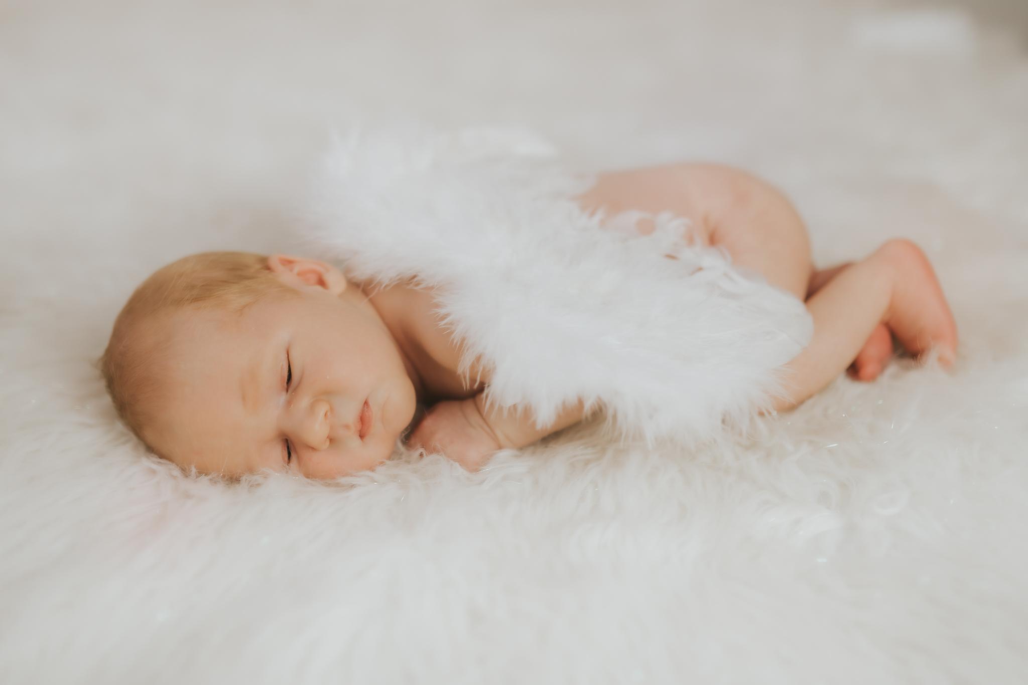Sesja noworodkowa rodzinna Tymon Monika i Mateusz NET-144