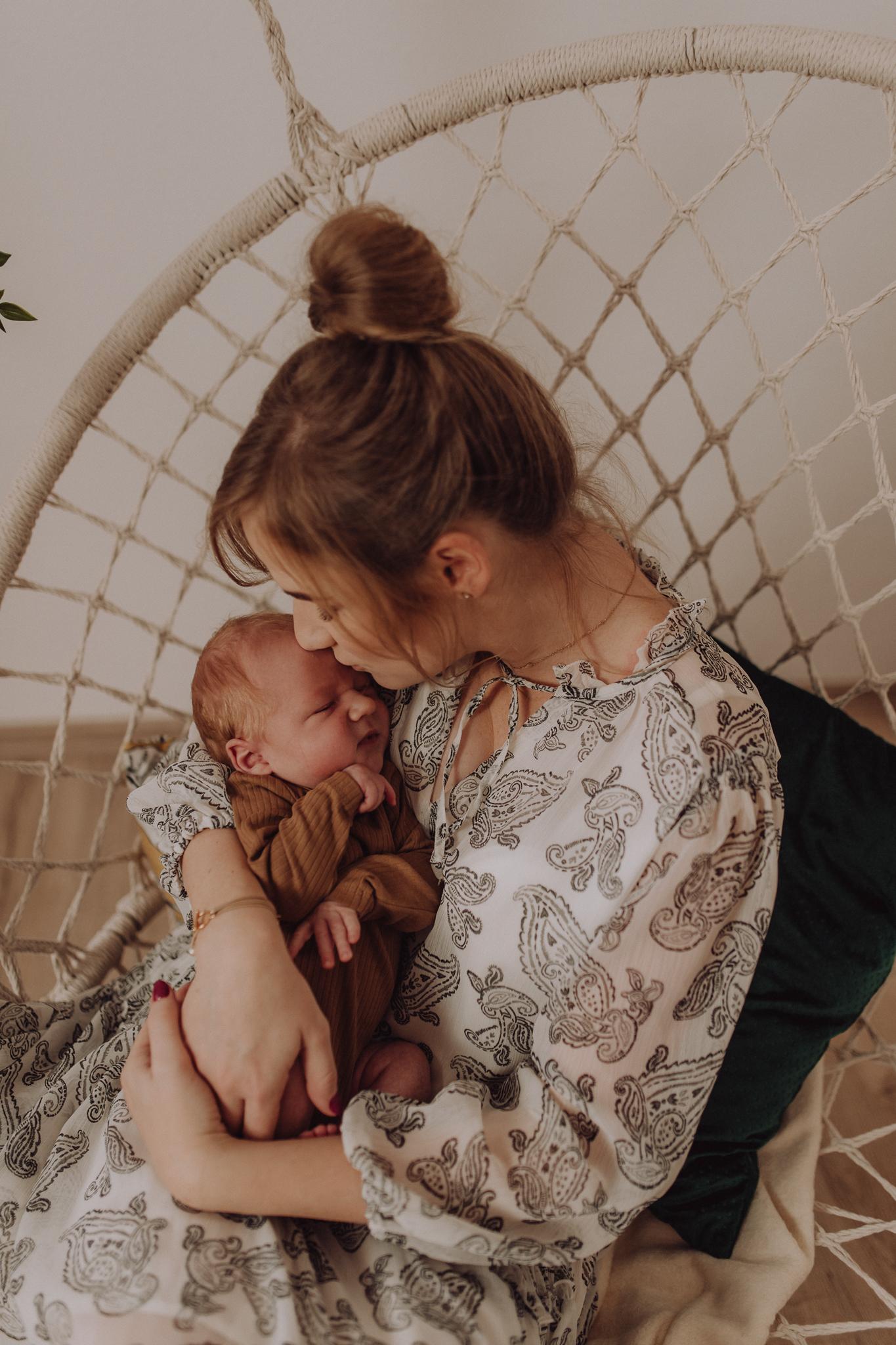 Sesja noworodkowa rodzinna Tymon Monika i Mateusz NET-150