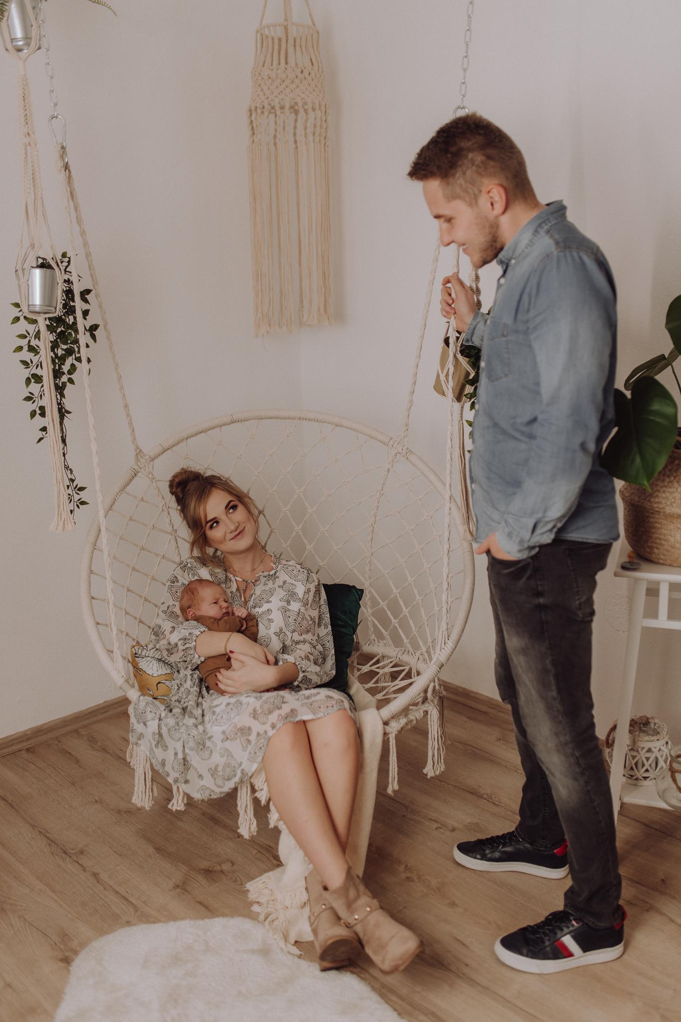 Sesja noworodkowa rodzinna Tymon Monika i Mateusz NET-154