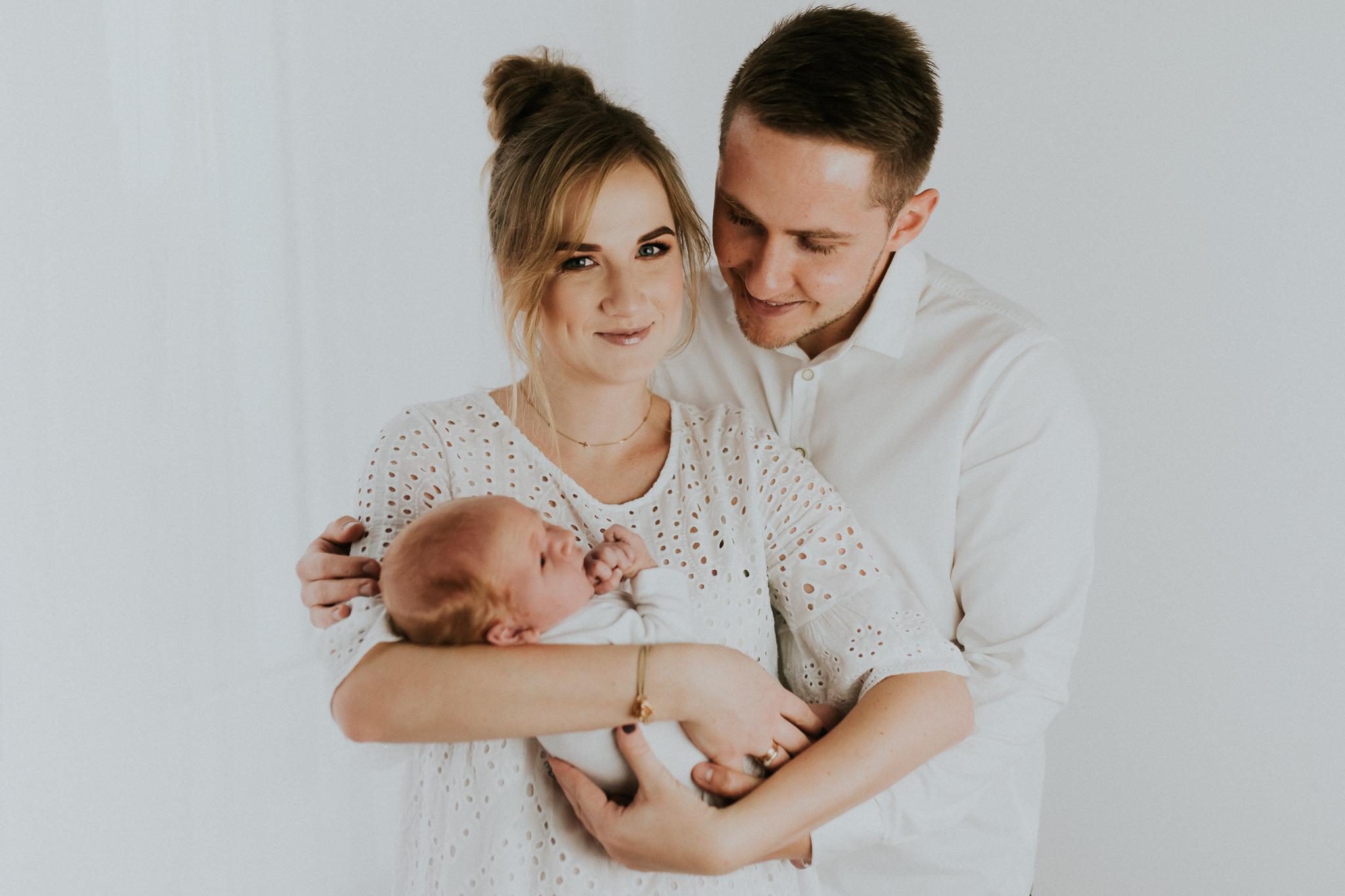 Sesja noworodkowa rodzinna Tymon Monika i Mateusz NET-19