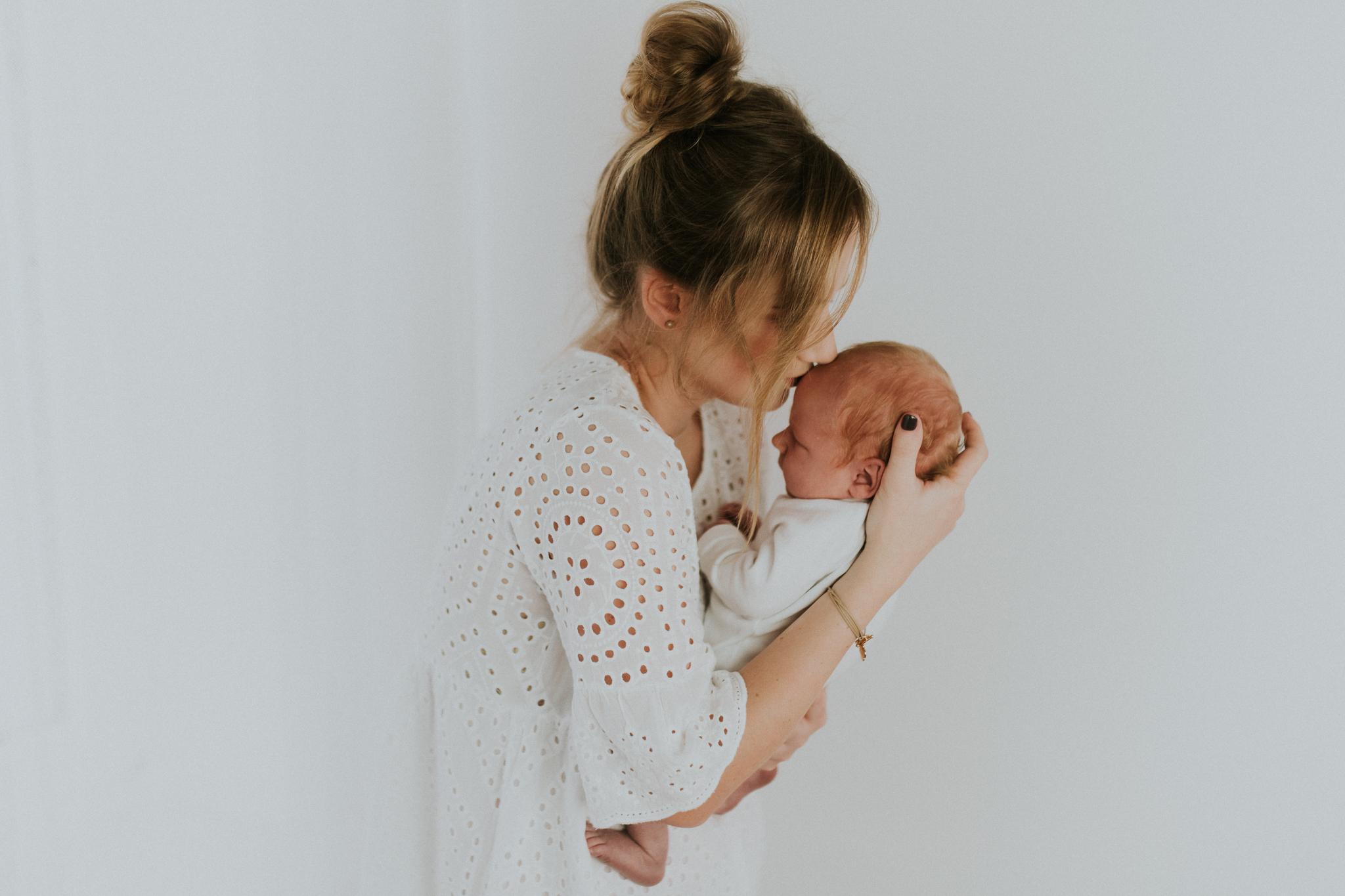 Sesja noworodkowa rodzinna Tymon Monika i Mateusz NET-29