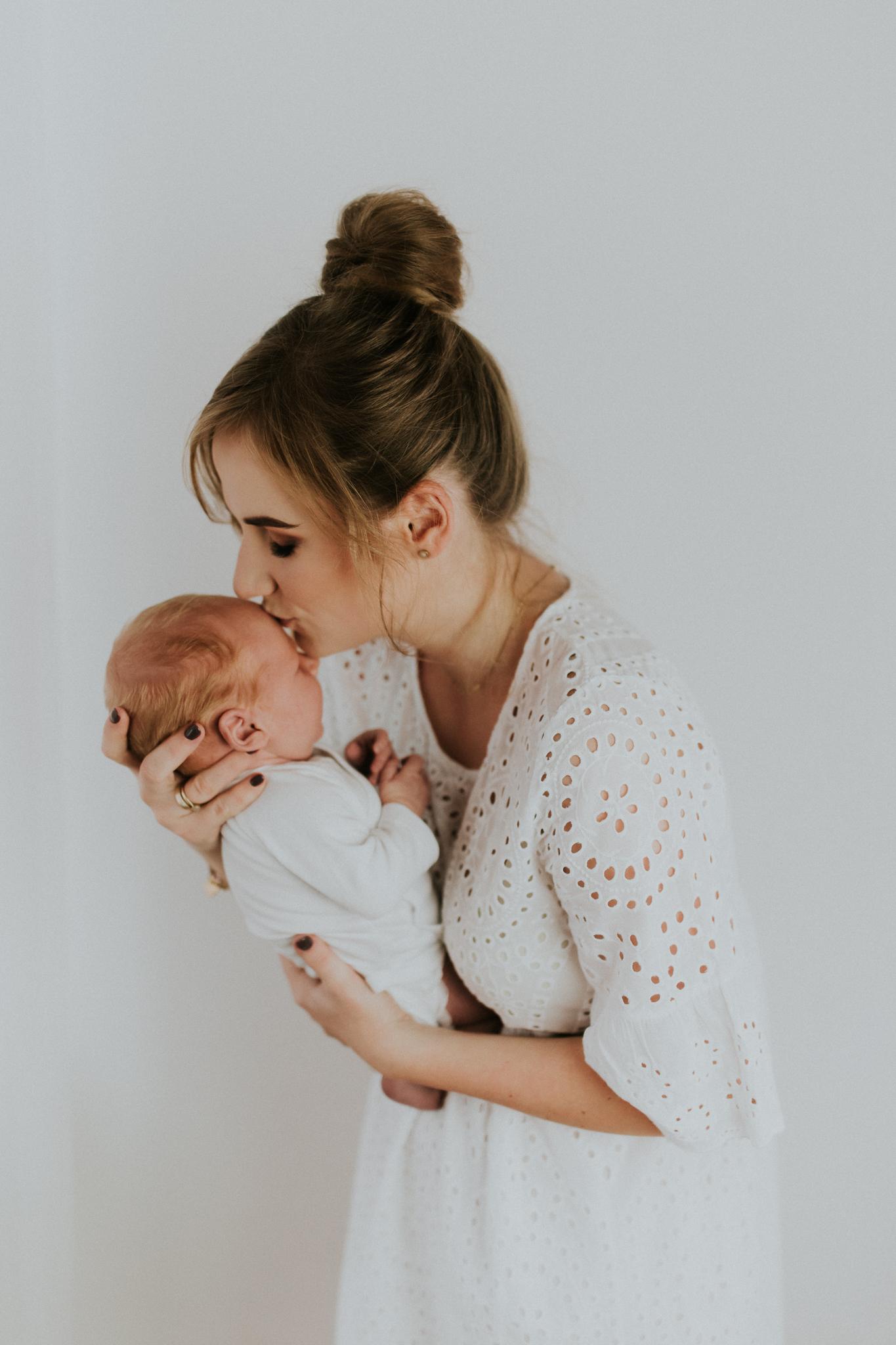 Sesja noworodkowa rodzinna Tymon Monika i Mateusz NET-30