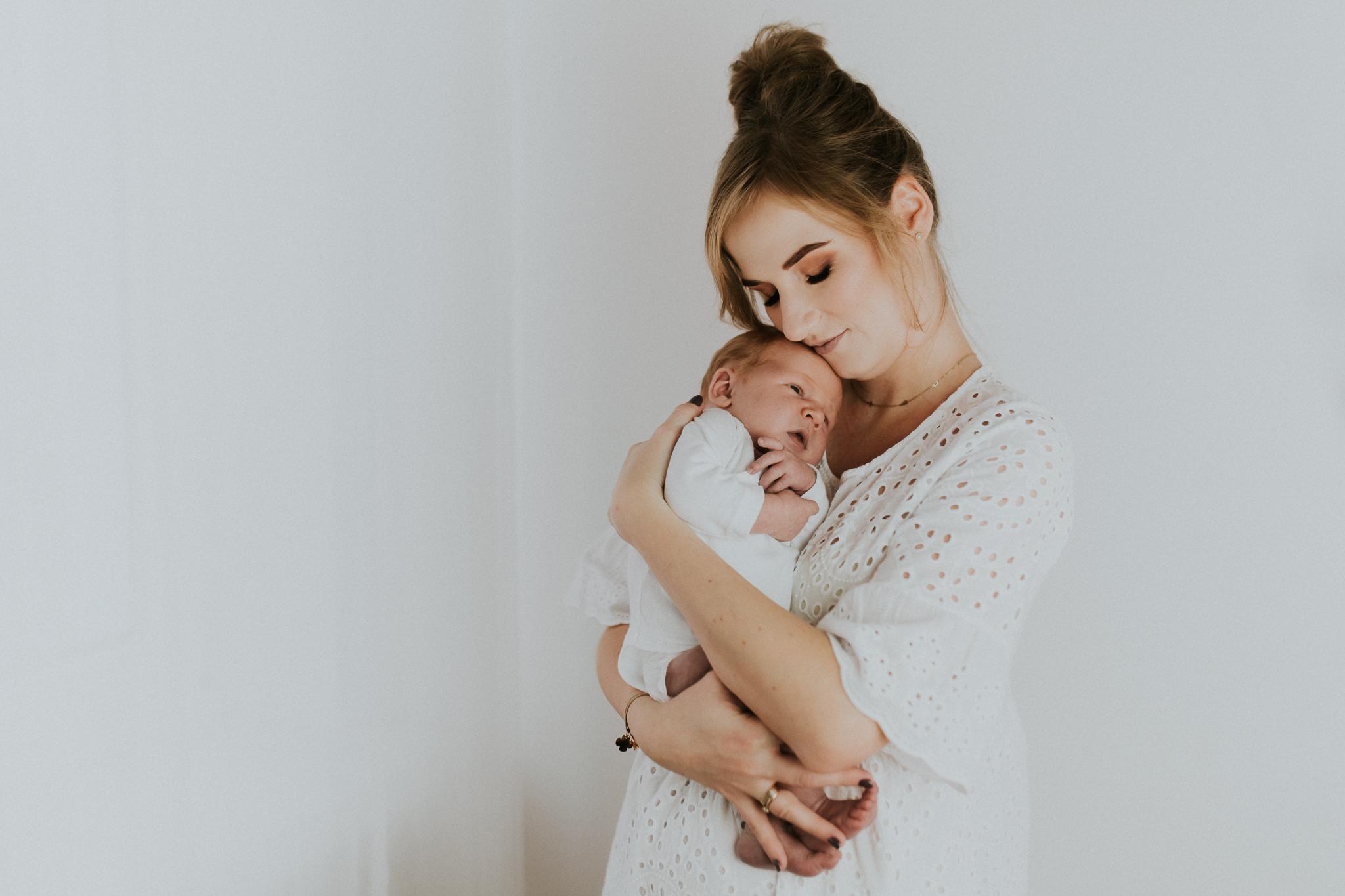 Sesja noworodkowa rodzinna Tymon Monika i Mateusz NET-35