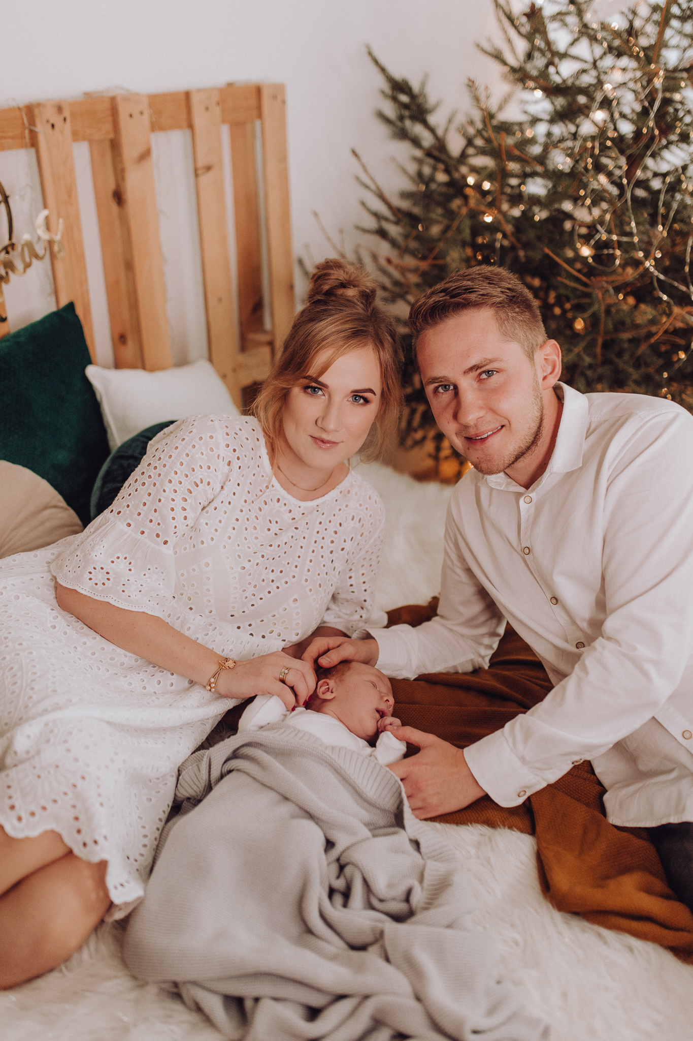 Sesja noworodkowa rodzinna Tymon Monika i Mateusz NET-51