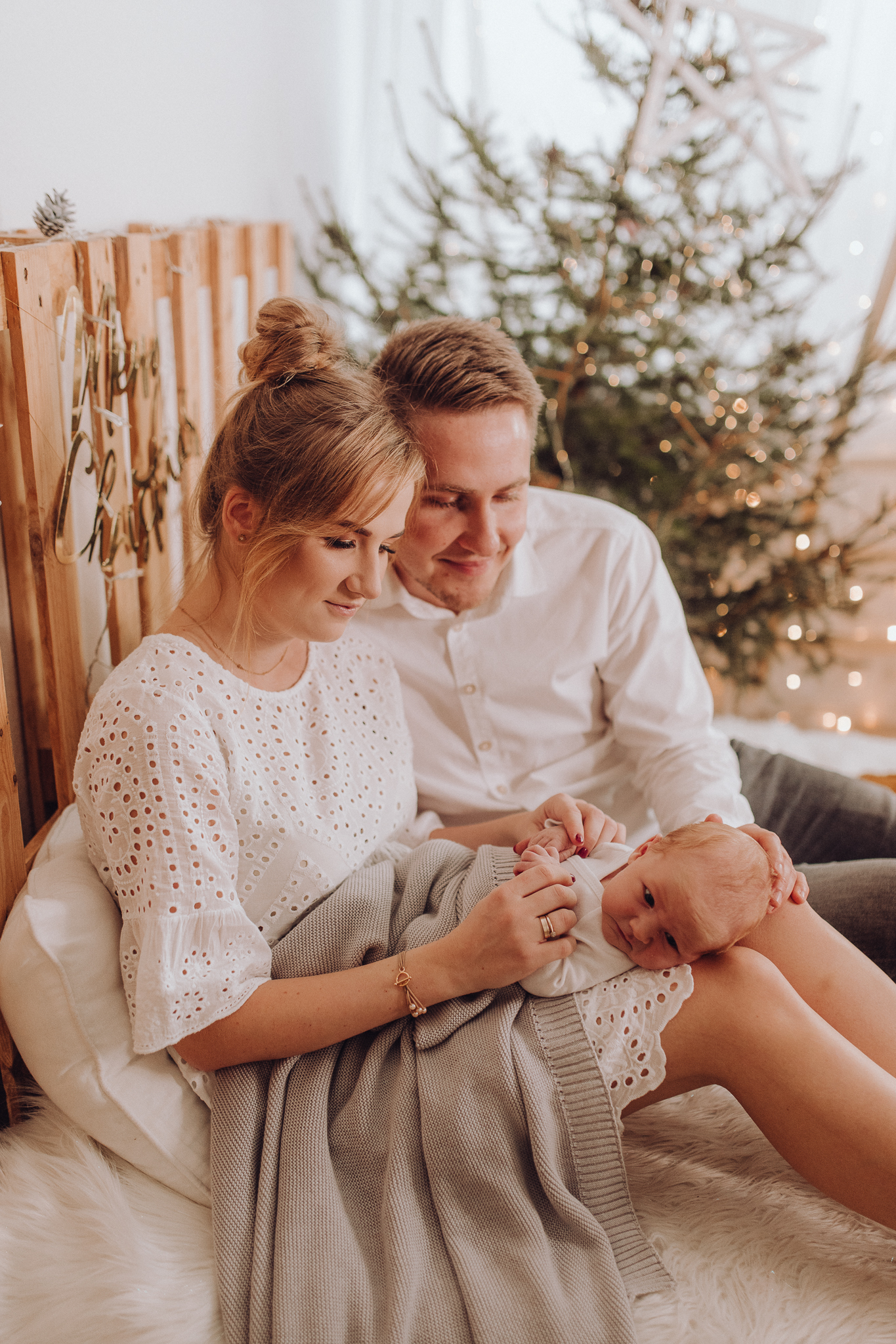 Sesja noworodkowa rodzinna Tymon Monika i Mateusz NET-63