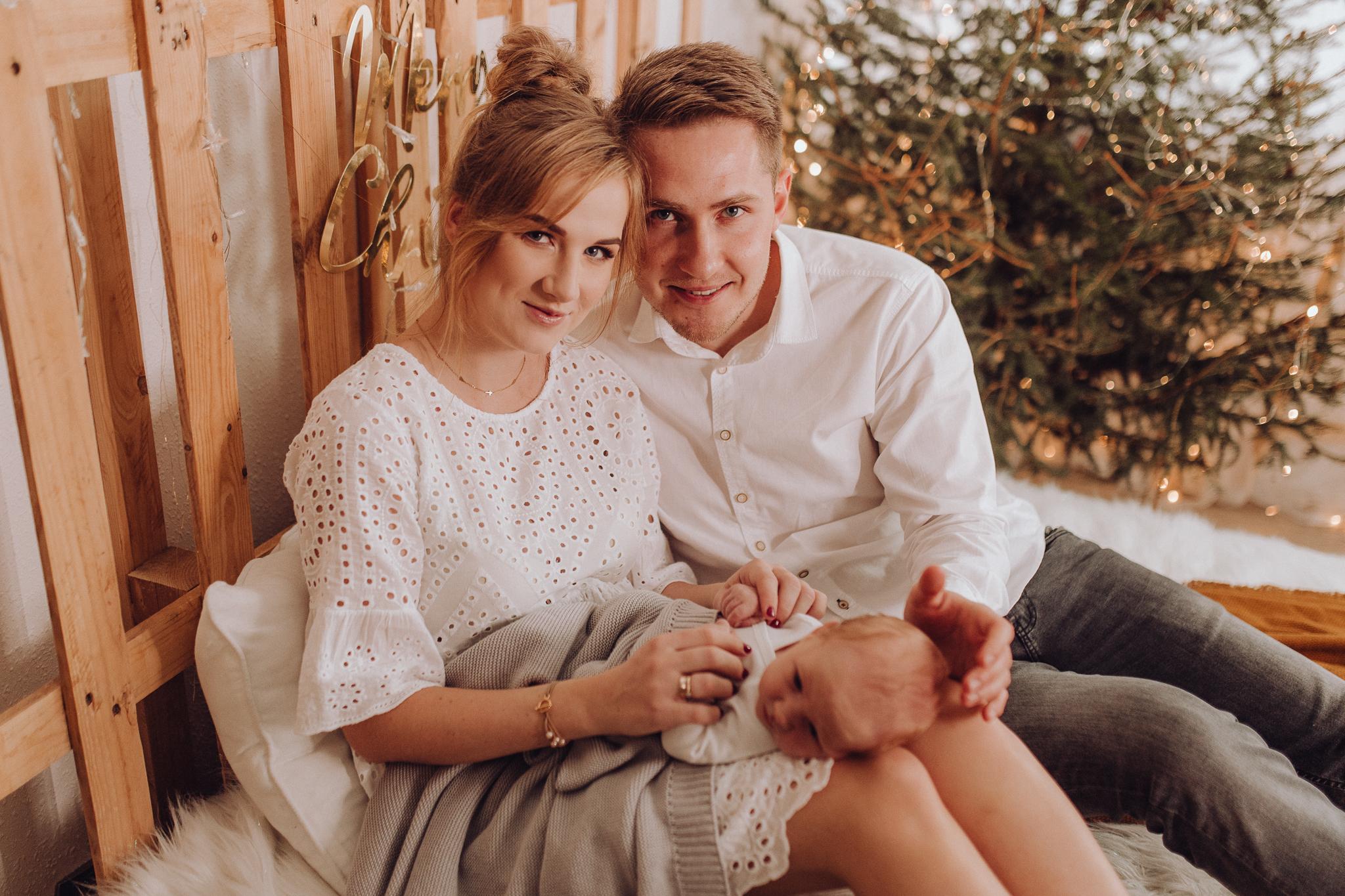 Sesja noworodkowa rodzinna Tymon Monika i Mateusz NET-64