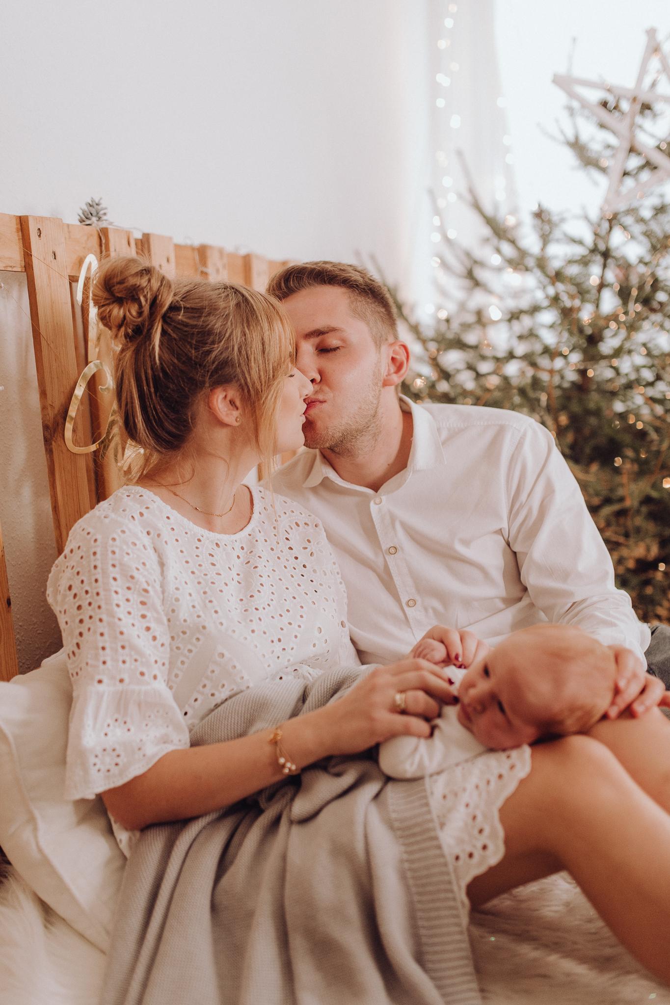 Sesja noworodkowa rodzinna Tymon Monika i Mateusz NET-67