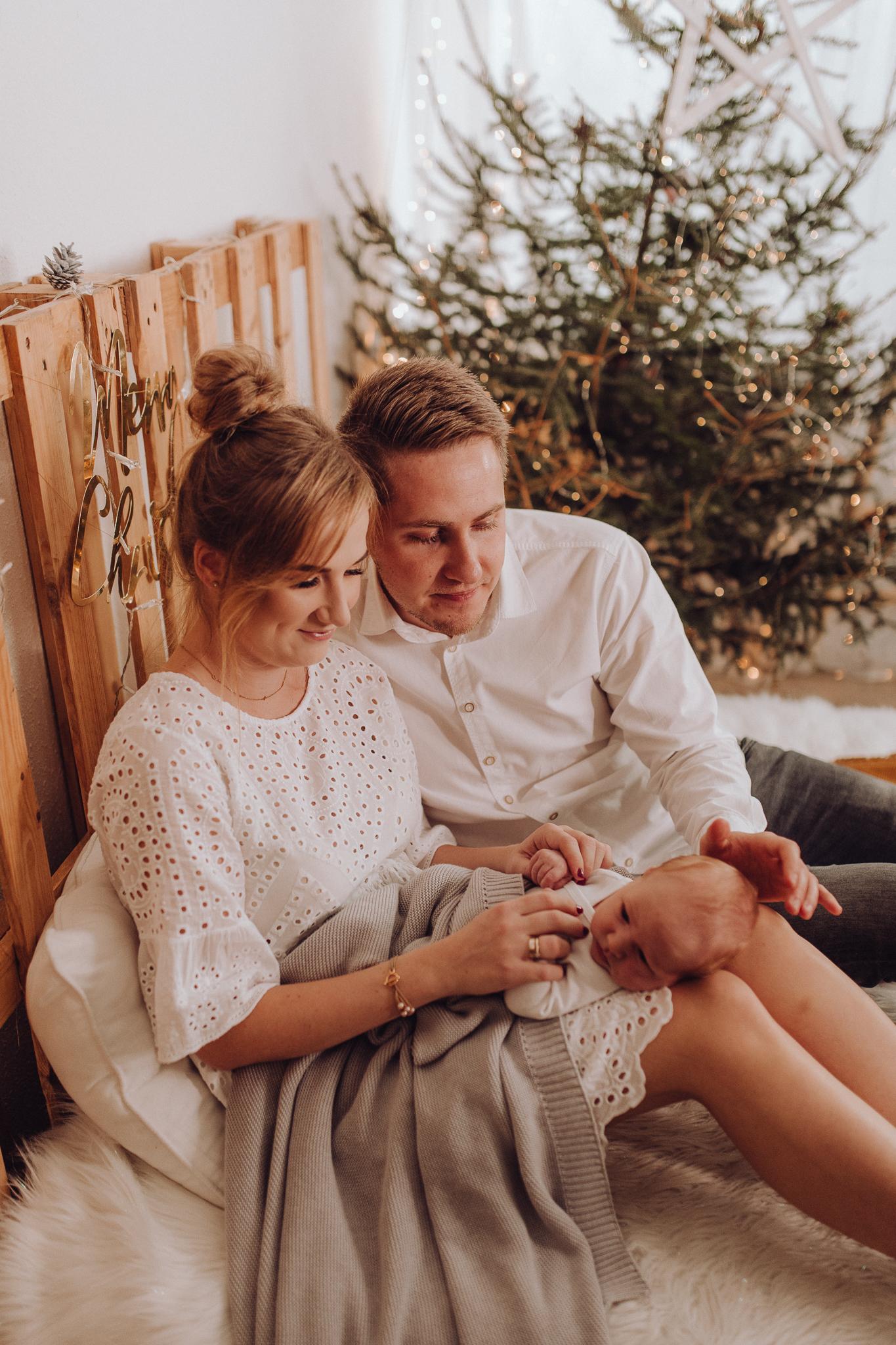 Sesja noworodkowa rodzinna Tymon Monika i Mateusz NET-68