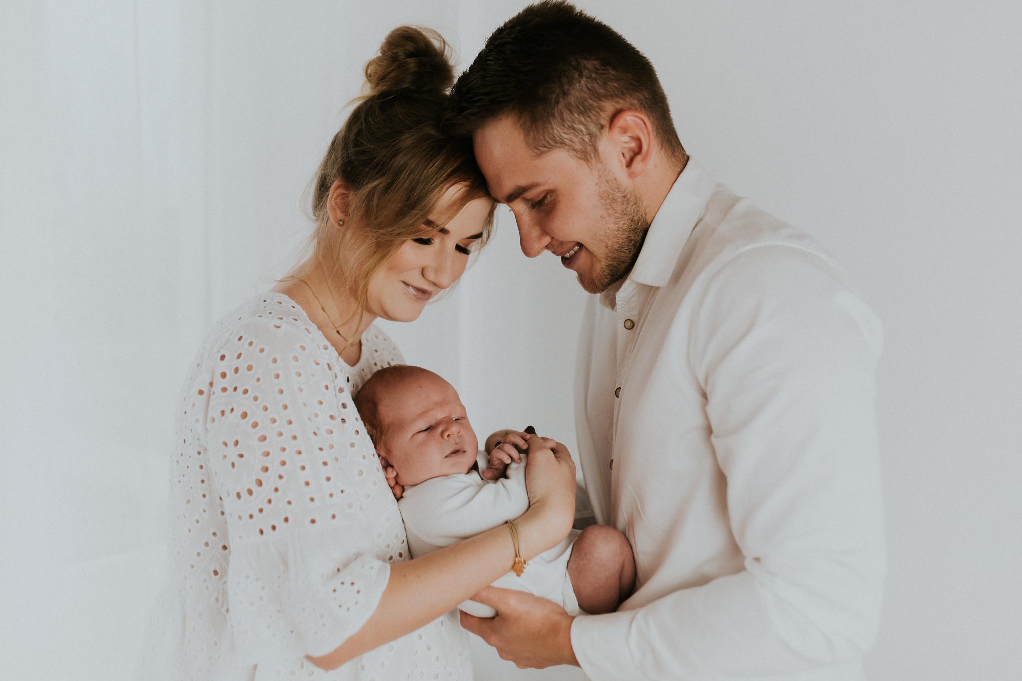 Sesja noworodkowa rodzinna Tymon Monika i Mateusz NET-8